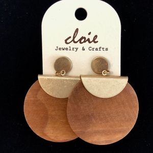 CLOIE Jewelry - Trendy Wood and Gold  Metal Earrings GREAT Gift